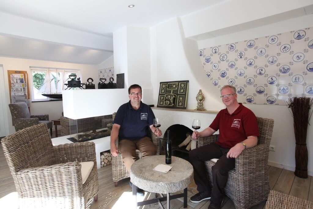 Thomas und Juergen Kathmeyer in der Lounge